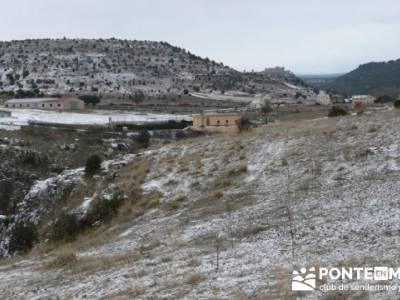 Villa de Pedraza y el Cañón del Río Cega; senderismo en soria